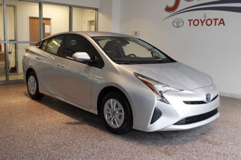 New 2017 Toyota Prius Two FWD 5D Hatchback